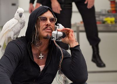 blood, parrots, Mickey Rourke, actors, hoodies, Whiplash, Iron Man 2, phones - desktop wallpaper