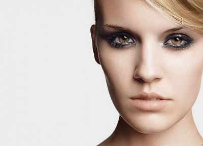 blondes, women, close-up, actress, models, Maggie Grace, portraits - random desktop wallpaper