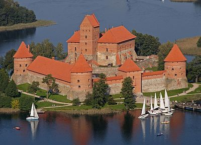 Lithuania, Trakai, castle - random desktop wallpaper