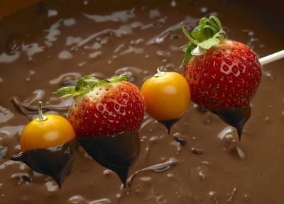 fruits, chocolate, strawberries - desktop wallpaper