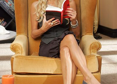 Paris Hilton, glasses, books, high heels, girls with glasses - random desktop wallpaper