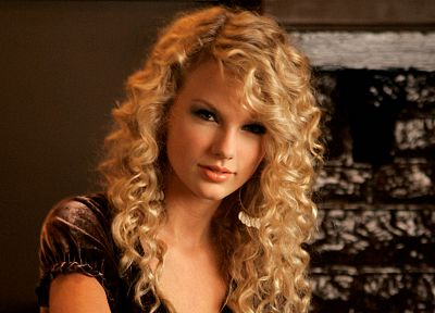 blondes, women, Taylor Swift, celebrity, singers, curly hair - desktop wallpaper