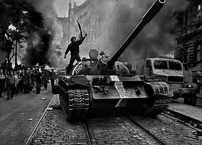 military, riots, revolution, tanks, grayscale, protest, T-55 - random desktop wallpaper