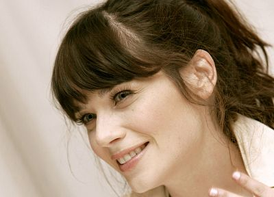 brunettes, women, close-up, blue eyes, Zooey Deschanel, smiling, faces - desktop wallpaper