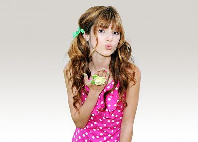 women, teen, Bella Thorne - desktop wallpaper