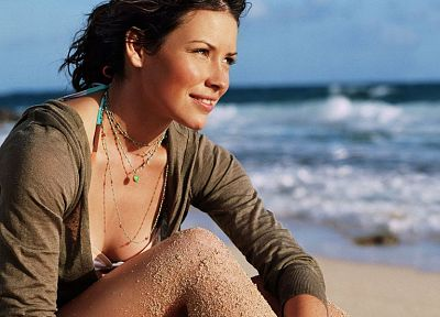 brunettes, women, sand, Evangeline Lilly, beaches - desktop wallpaper