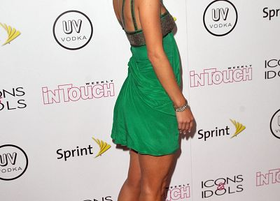 brunettes, women, high heels, Maria Menounos, green dress - desktop wallpaper