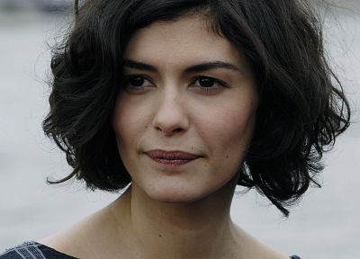 Audrey Tautou - random desktop wallpaper