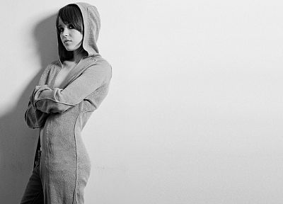 women, Ellen Page, actress, hoodies - random desktop wallpaper