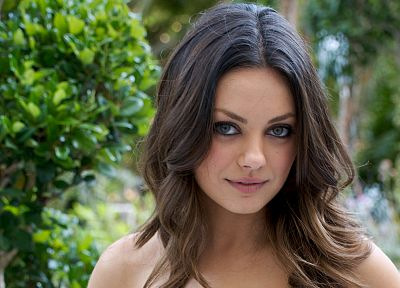 brunettes, women, Mila Kunis, actress, celebrity - desktop wallpaper