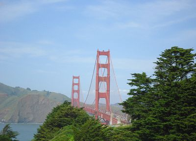 Golden Gate Bridge - random desktop wallpaper