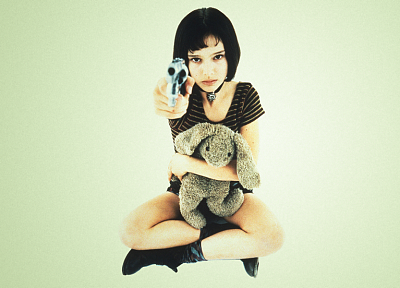 guns, Natalie Portman, Leon The Professional, Magnum, girls with guns, stuffed animals - random desktop wallpaper