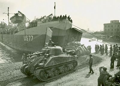 sherman, ships, tanks, World War II, vehicles, M4 Sherman - related desktop wallpaper