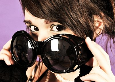 women, models, Ariel Rebel, sunglasses, reflections - random desktop wallpaper