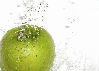water, green apples - desktop wallpaper