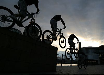 bicycles, jumping - random desktop wallpaper
