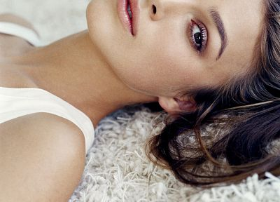 Keira Knightley, carpet - random desktop wallpaper