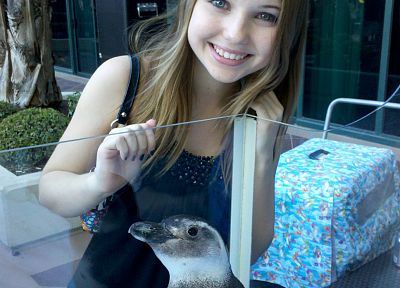 women, penguins, Sammi Hanratty - related desktop wallpaper